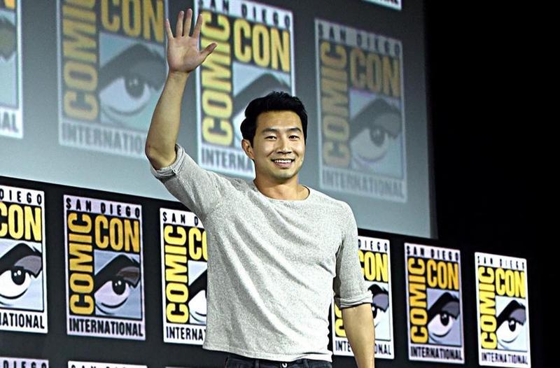劉思慕成為漫威首位華裔英雄「上氣」,他從小在多倫多長大,中文流利,但仍有網友笑他將漫「威」唸成漫「危」。(Marvel Studios IG)