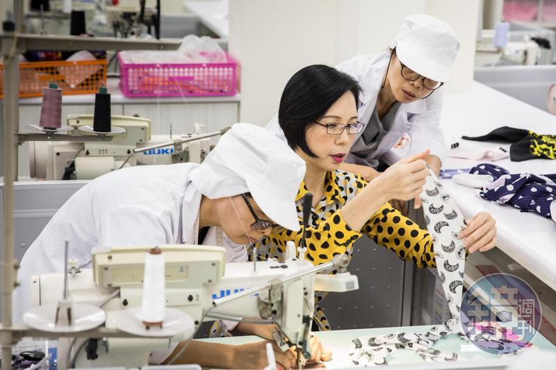 莊碧玉是從紡織女工出身,17歲就曾創業開代工廠,基本功紮實。