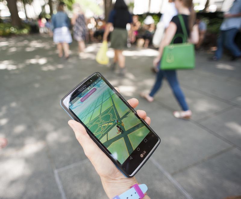 騰訊宣布與寶可夢公司共同研發新遊戲,不少中國網友期待「寶可夢終於要來了嗎?」(東方IC)