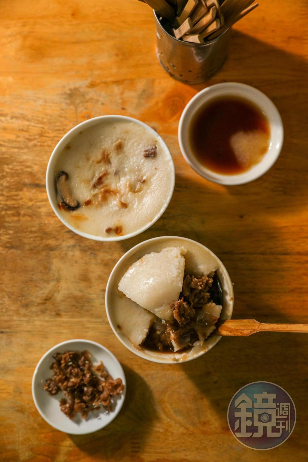 「碗粿」滑嫩帶米香。(25元/碗)