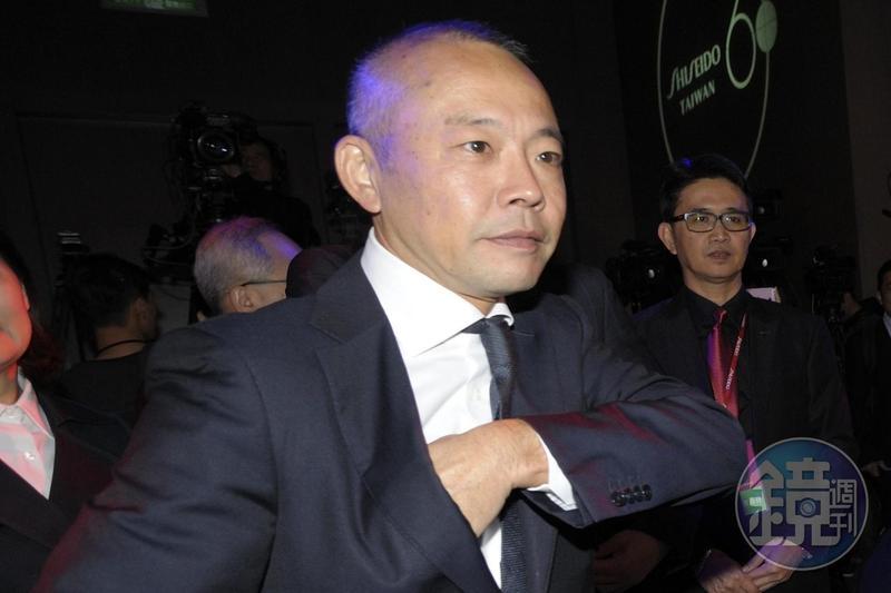 新光三越曾在2007年西進,最後經營權全失,吳昕達還一度在北京被軟禁。