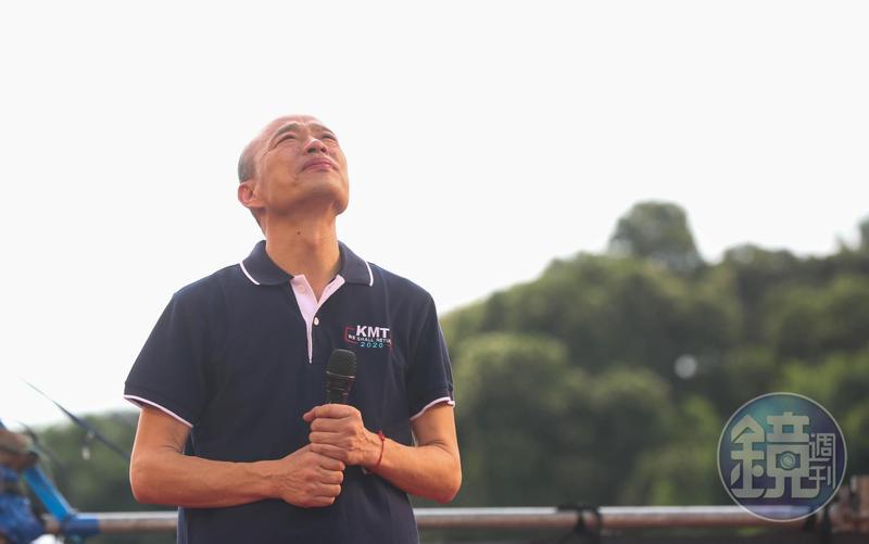 韓國瑜將代表國民黨角逐2020總統大選,不過近來外界各種批評聲浪不斷,加上高雄嚴峻的登革熱疫情及淹水災情,讓韓國瑜支持度呈現下滑趨勢。