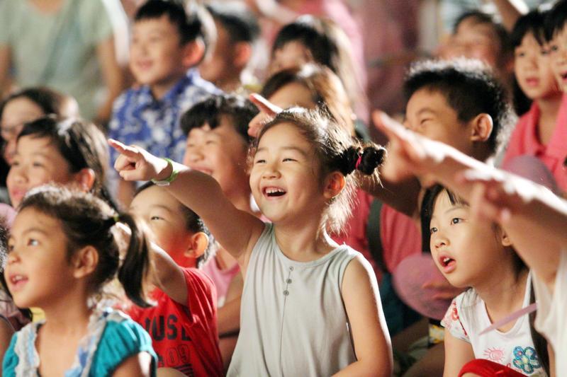 紙風車368鄉鎮市區兒童藝術工程因受到台中市政府刁難,做出取消演出的決定。(紙風車文教基金會提供)