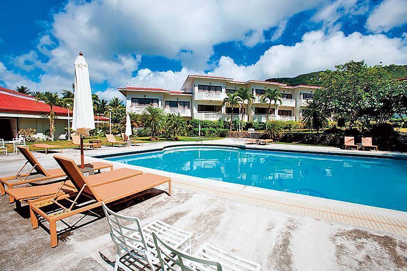 羅塔島官網上介紹3家飯店,其中最大、最豪華的就是SNM集團經營的Rota Resort & Country Club。(翻攝羅塔島官網)