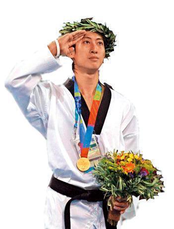2010年屁蛋妹曾與奧運金牌國手朱木炎傳緋聞,當時兩人在台北市信義威秀影城約會,被媒體逮個正著。(翻攝自朱木炎臉書)