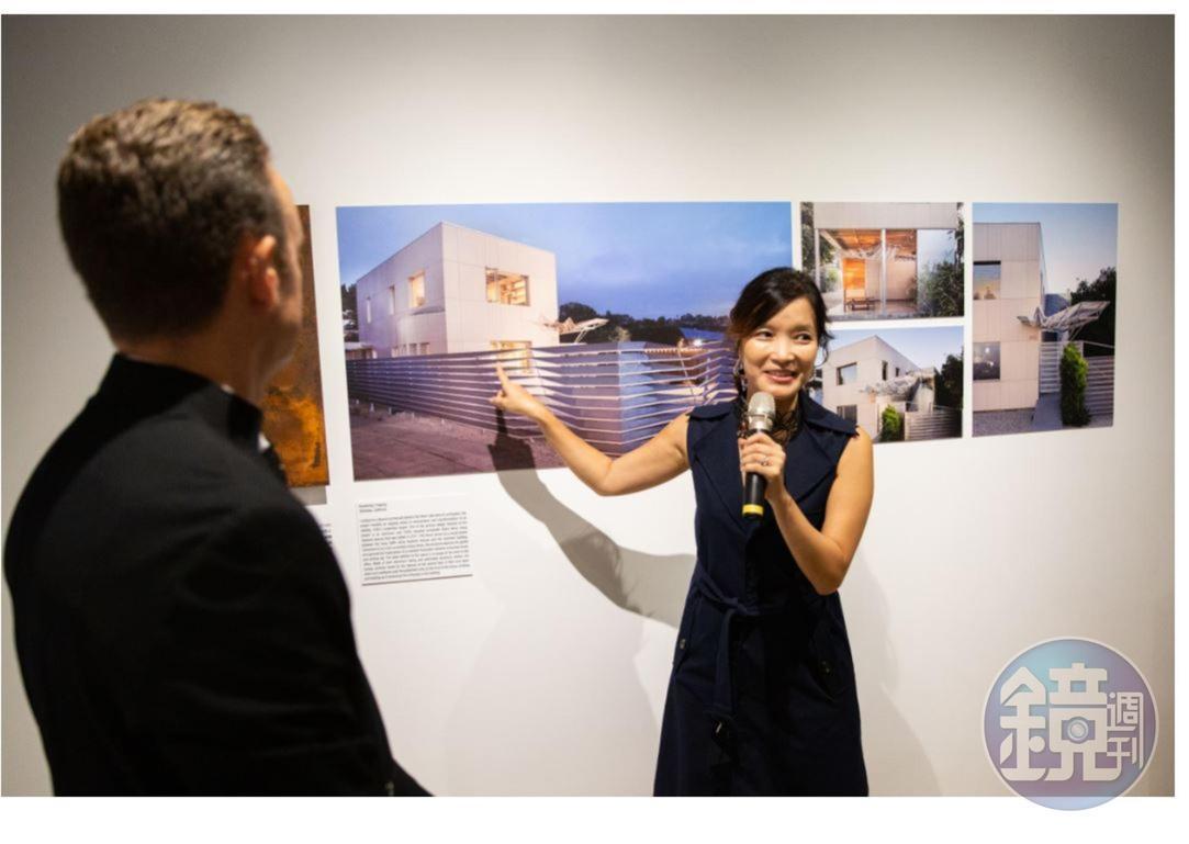 吳嘉華介紹他們經手的一個重要專案:自己的住家兼建築事務所。特別重視材料實驗和手作,他們有9成的專案是在自己後院完成的(忠泰M除外)。