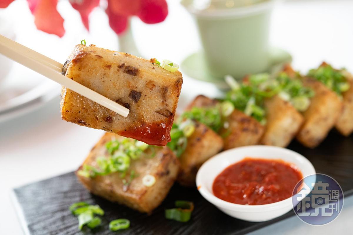 「鴨肉蝦皮粿仔糕」外酥內糯,間雜鴨肉特殊香氣。(全鴨匯套餐菜色)