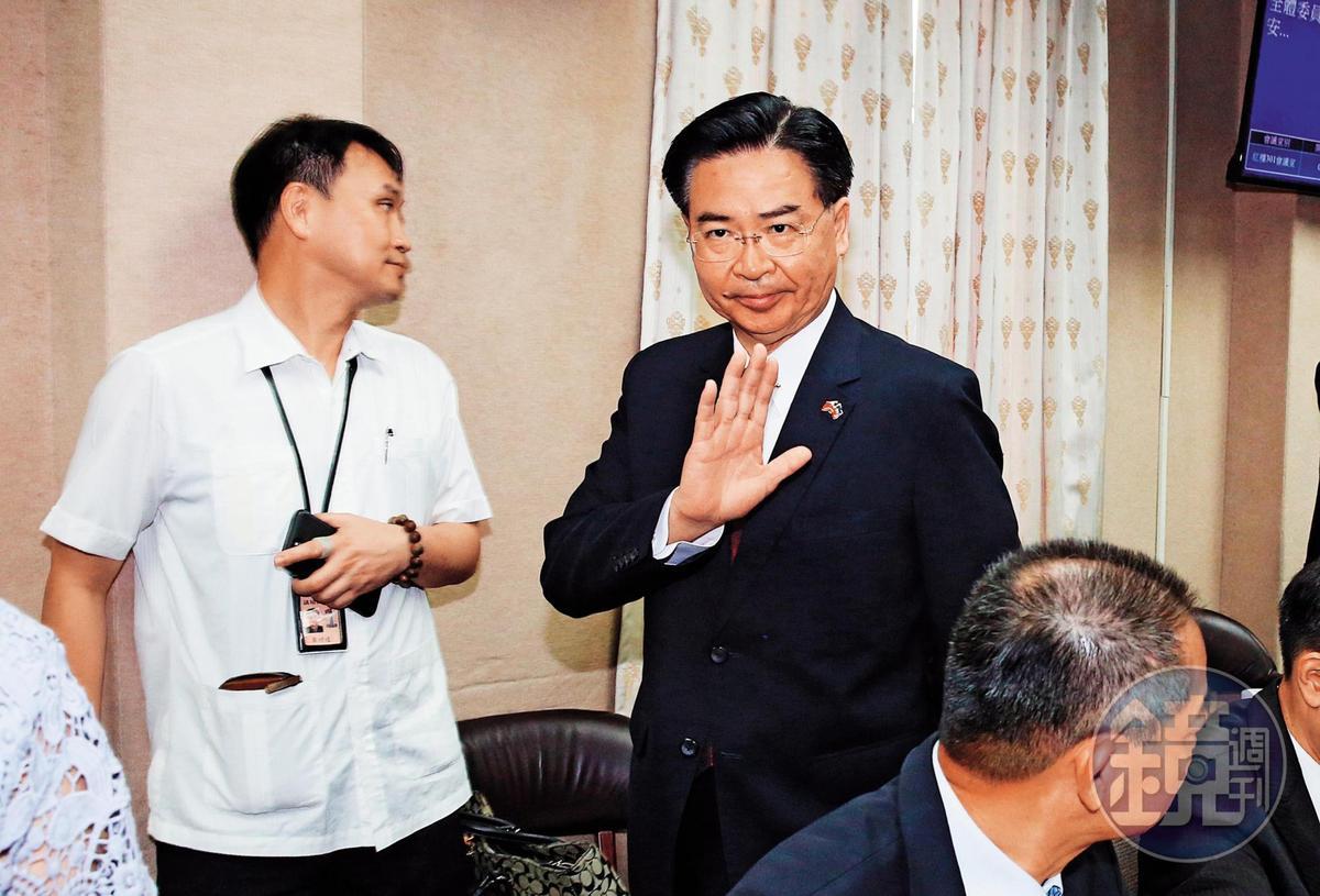 外交部長吳釗燮(圖)處理沈文強遭控性騷案,被質疑輕縱。