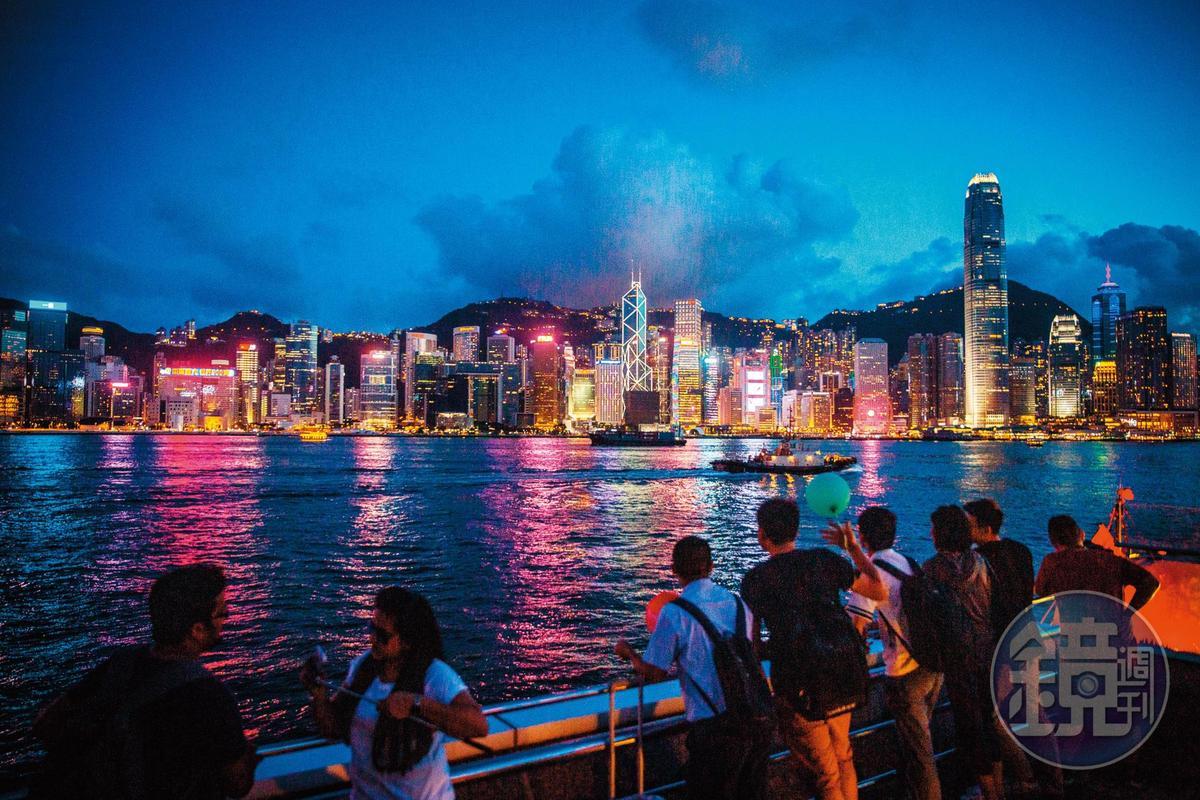 吳振富日前帶家人赴香港旅行,卻請女助理幫他找旅行社及規劃行程。