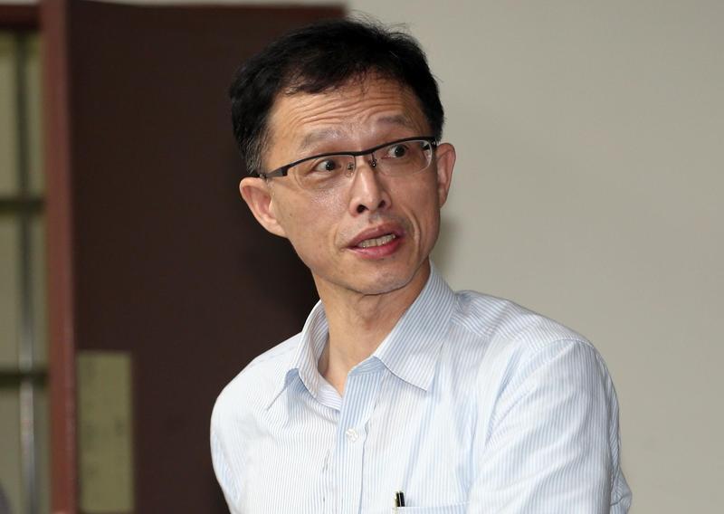 榮化(李長榮化工)在2007年轉投資的福聚太陽能早在2015年就宣布破產,圖為當時擔任榮化董事長的李謀偉。(東方IC)