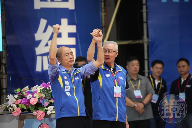 韓國瑜(左1)是柯文哲最擔憂的總統候選人。對於韓若當選,他說,「太可怕了,我實在很難想像。」