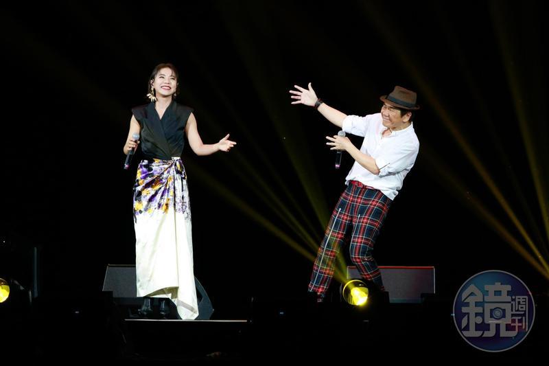 趙傳與丁噹合唱〈我是一隻小小鳥〉,他樂封她是新一代〈小小鳥〉主唱。
