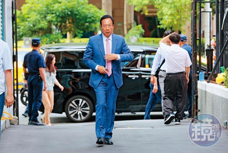 初選落敗後,郭台銘捲土重來,企圖在害怕韓國瑜與討厭民進黨的氛圍下,創造出第3種可能。