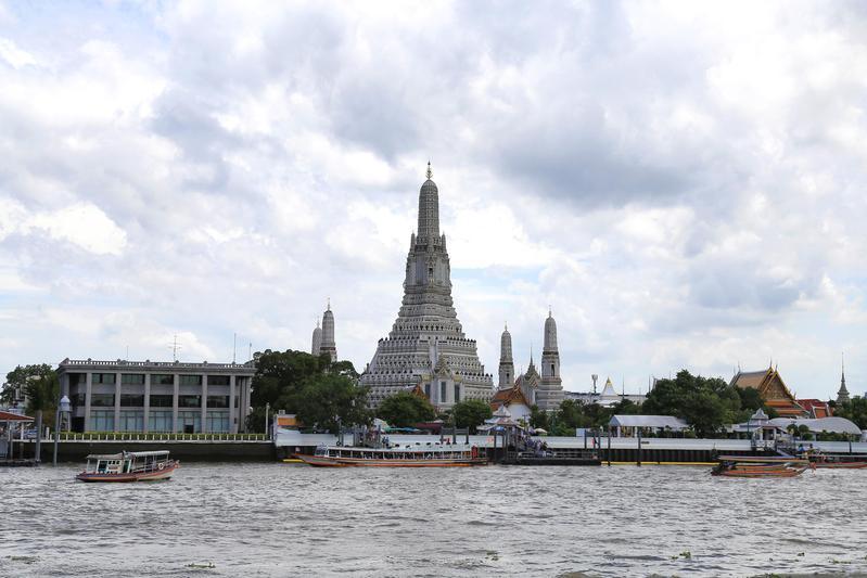泰國政府為繼續推動觀光產業發展,對台落地簽免費將延續到明年4月底。(東方IC)