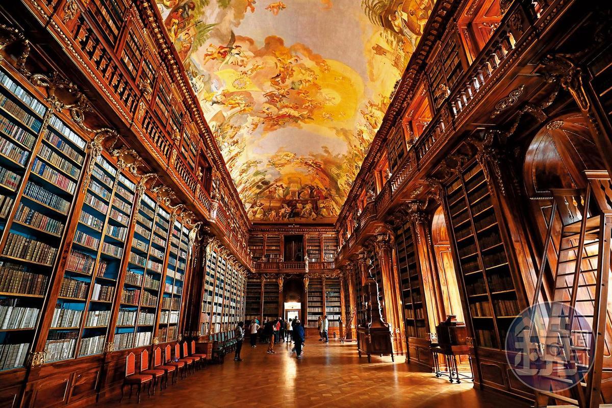 「哲學廳」是「斯特拉霍夫堡圖書館」內最大的房間。
