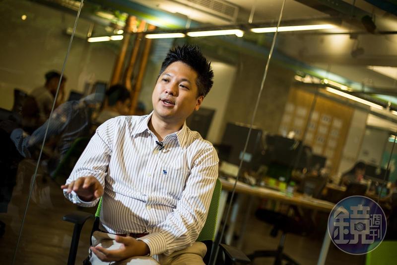 新光三代的吳昕霈學、經歷驚人,曾待過英特爾、麥肯錫等國際大公司。