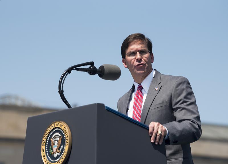 美國防部長艾斯培向美媒表示對台軍售會繼續下去。(東方IC)