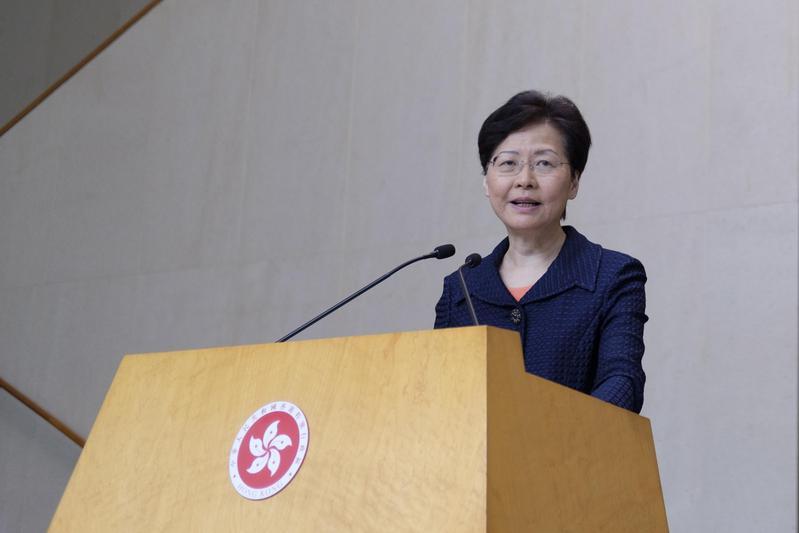 有出席者引述林鄭月娥在會上的發言指出,港府不設立獨立調查委員會的原因在於警隊抗拒。(東方IC)