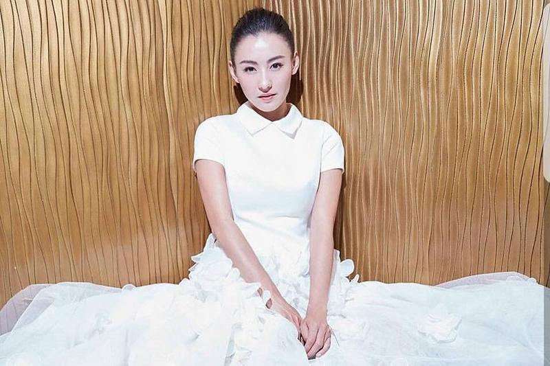香港女星張栢芝入行後,是一家人經濟支柱。(圖/摘自張栢芝粉絲團臉書)