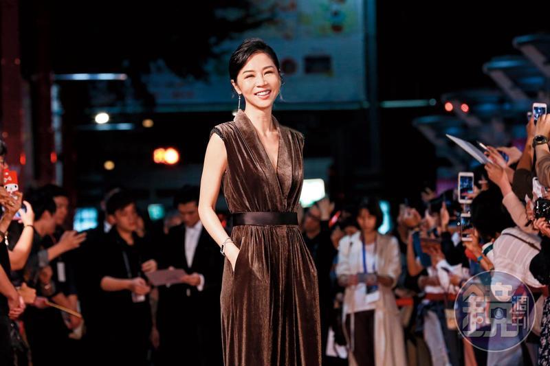 謝盈萱去年金馬風光無比,《誰先愛上他的》讓她一舉封后,為電影走紅毯時氣場十足。