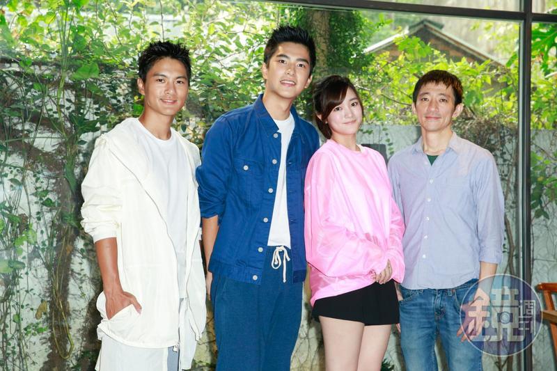 《返校》的演員李冠毅、曾敬驊、王淨,與導演徐漢強(右2)與媒體茶敘。
