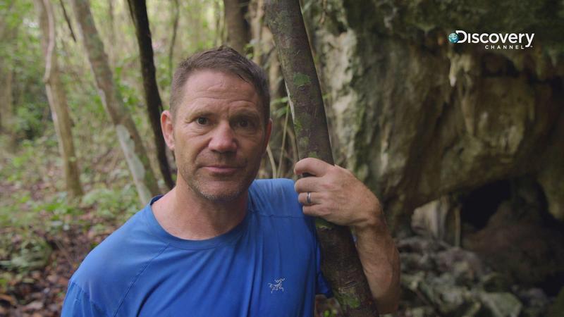 擁有冒險家、博物學家、主持人等身份的英國探險家史提夫貝克蕭,探索被世人遺忘的奇景。(Discovery頻道提供)