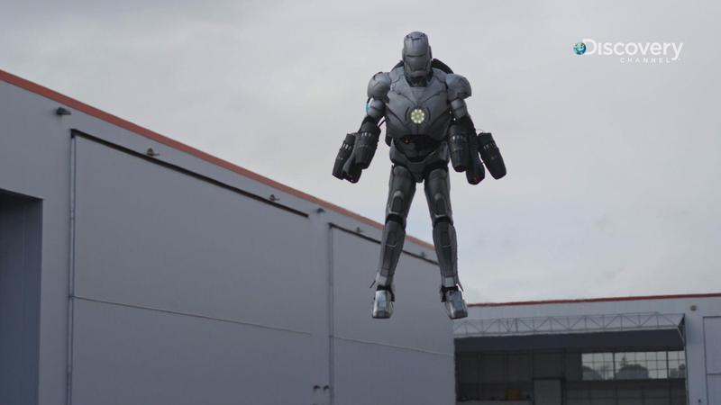 這真的不是電腦特效,《亞當的超狂工作室》精心打造了跟電影一樣的「鋼鐵衣」,只差沒有紅色烤漆。(Discovery頻道提供)