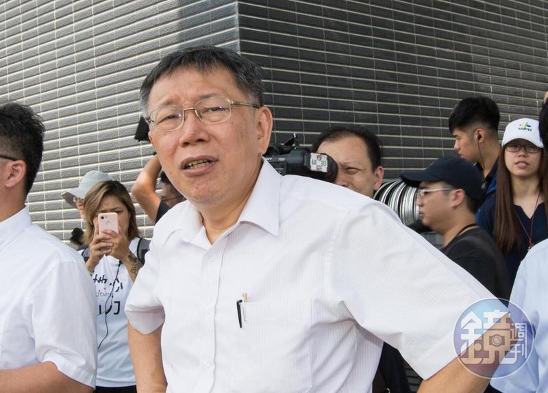 台北市長柯文哲昨表示,2020這場選舉到現在,大家都不提政策,都是選舉攻防。