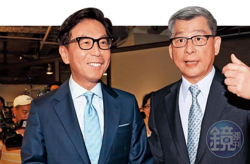 蔡明忠(左)親自打電話給各壽險和金控公司董事長,幫黃調貴拉票。蔡宏圖也傾全力幫自家的國壽董事長黃調貴輔選,成功拿下壽險公會理事長。