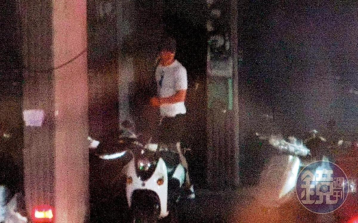9月5日22:10,馬俊麟被王瞳的白車給載了回家,而且明明他們就已沒有合拍的戲分,之前到底去哪惹人揣想。