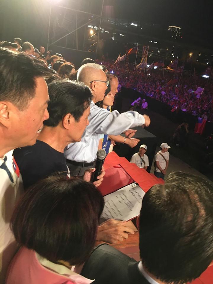 李明璇批評馬英九幕僚寫的講稿有問題。(翻攝李明璇臉書)