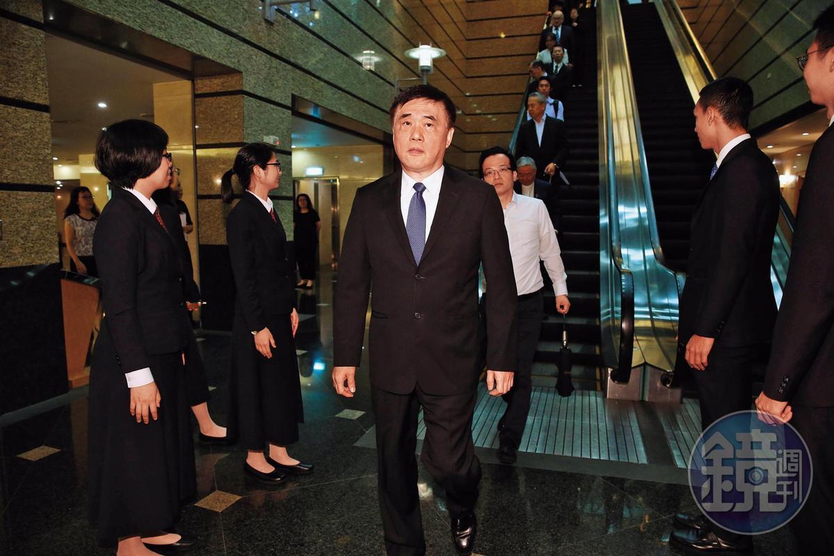 郝龍斌在市長任內,堅不放寬京華城容積率,還公開暗指沈慶京沒錢,2人一度對簿公堂。