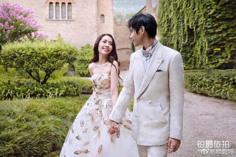 郭碧婷正式宣布與向佐結婚的好消息。(摘自郭碧婷微博)