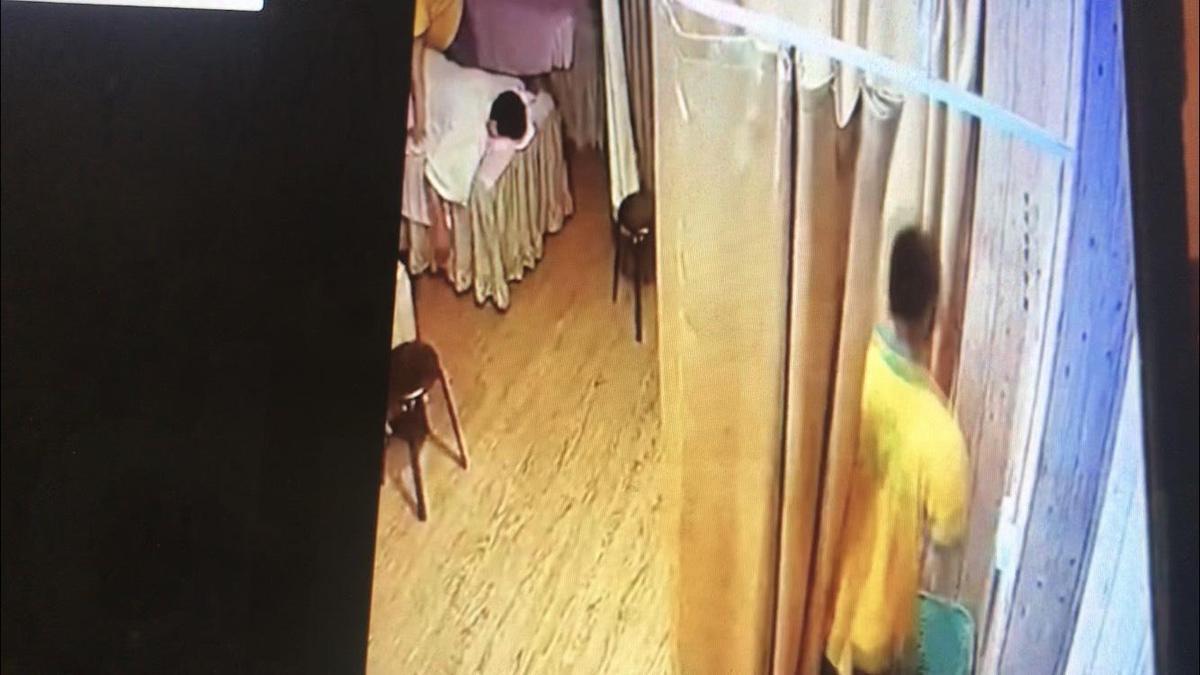越南籍阮姓按摩師性侵女大生,事後辯稱對方同意才進行。(翻攝畫面)
