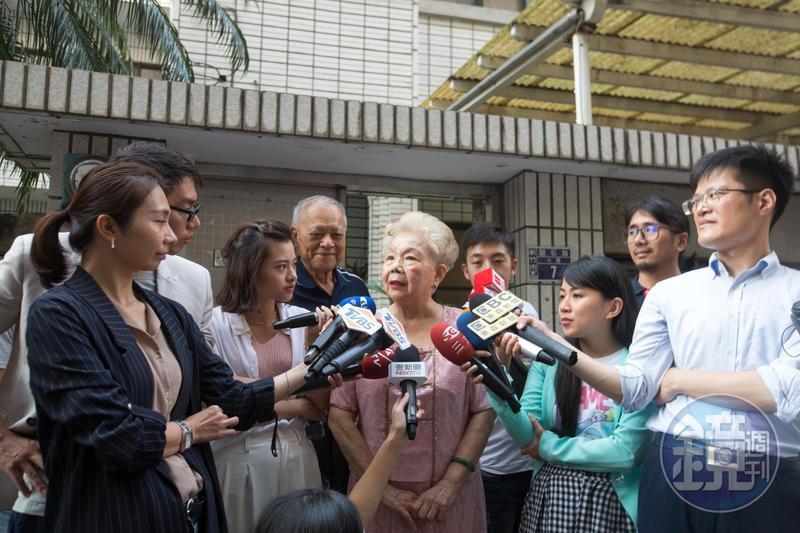 柯文哲媽媽何瑞英直言陳其邁是好人。(資料照)