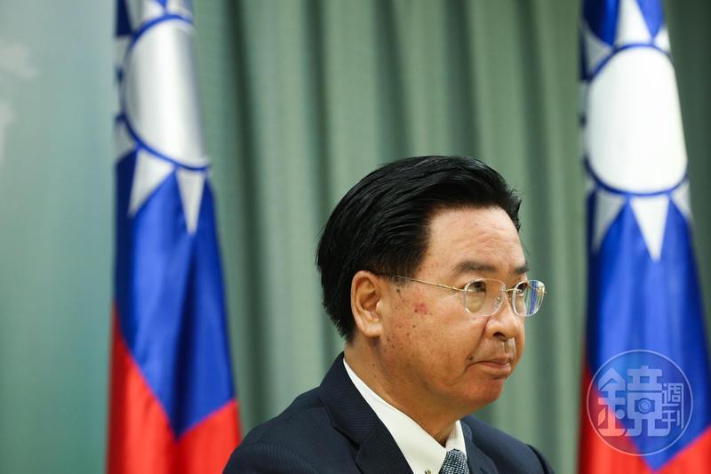 一週內連2國斷交,吳釗燮表示做為政務官,自己不會迴避任何政治責任,去留交給長官定奪。