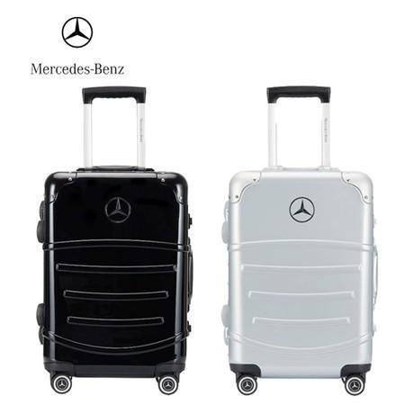 連千毅堅稱販售賓士正版行李箱,不過卻被原廠打臉。(翻攝自賓士官方經銷商)
