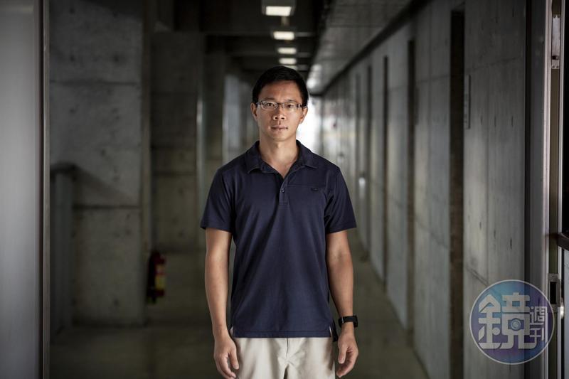 《返校》電影引起社會關注白色恐怖的歷史,台大助理教授蘇軒立從自身的故事說明,白色恐怖如何長遠影響數個世代的台灣人。