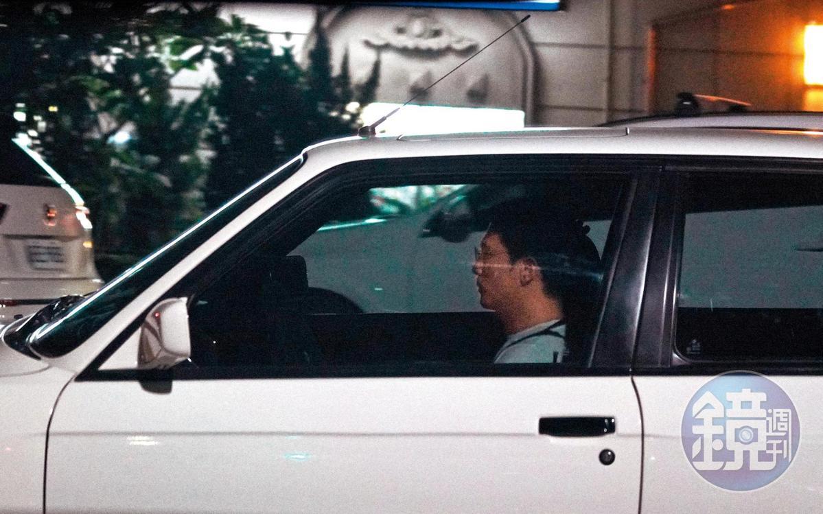 9/18 21:28 邱澤晚上開著他的愛車BMW M3,從汐止的自宅出來。
