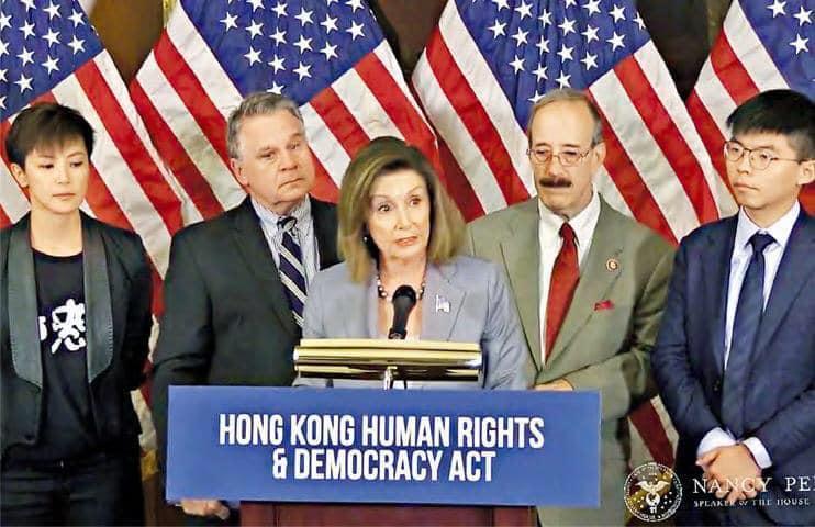 美國眾議院議長裴洛西接見何韻詩和黃之鋒等香港民主人士。(網路截圖:facebook/Pelosi)