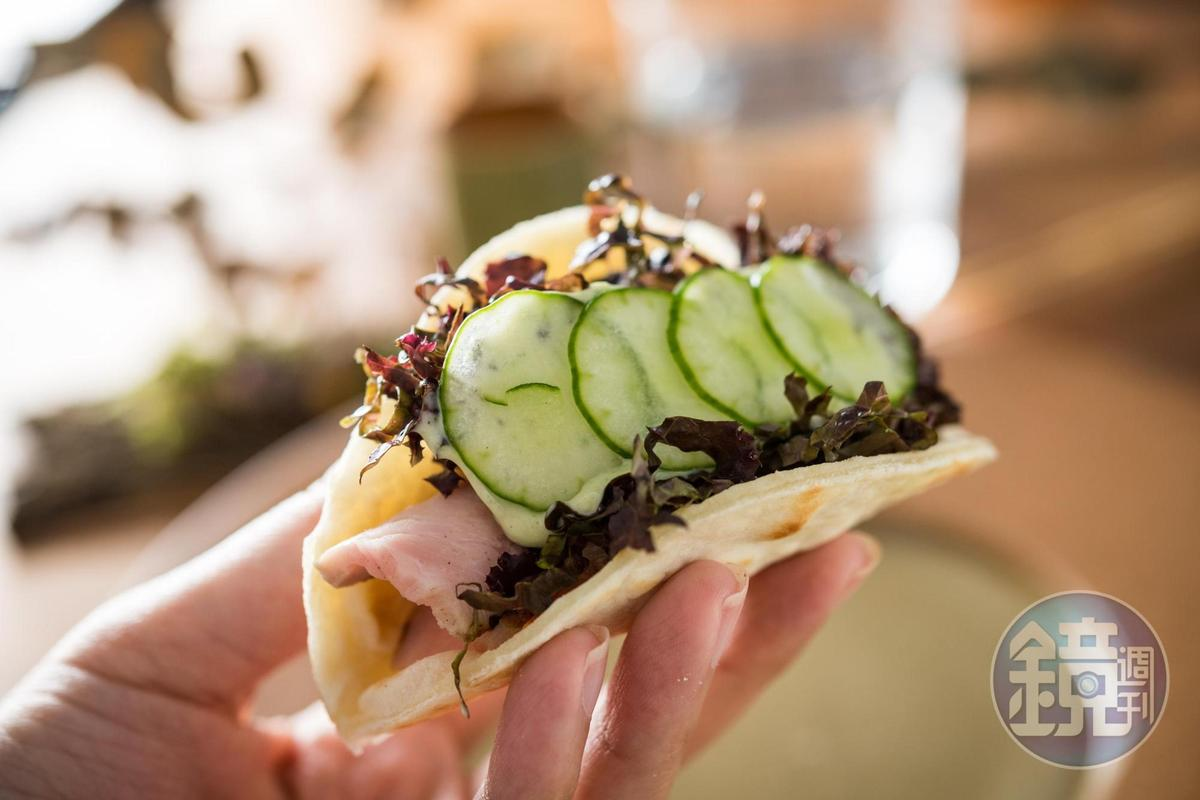 「Piadina」以義大利烤餅包入義式培根與生菜。(1,500元套餐菜色)