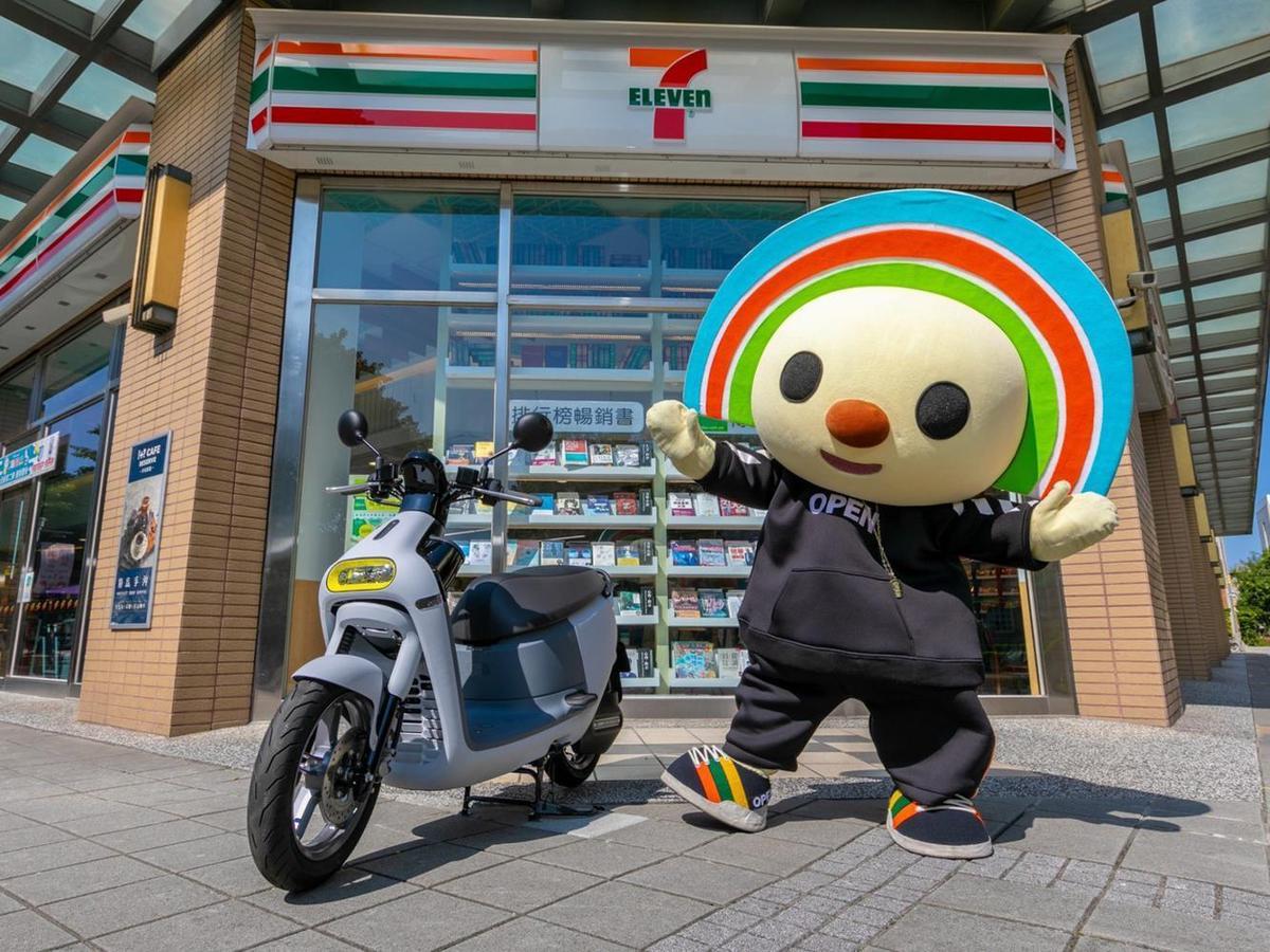 台灣電動機車領導品牌Gogoro攜手7-ELEVEN,宣布於今(7)日推出領先預購 Gogoro 3 Plus 獨家新色「芝麻灰」。