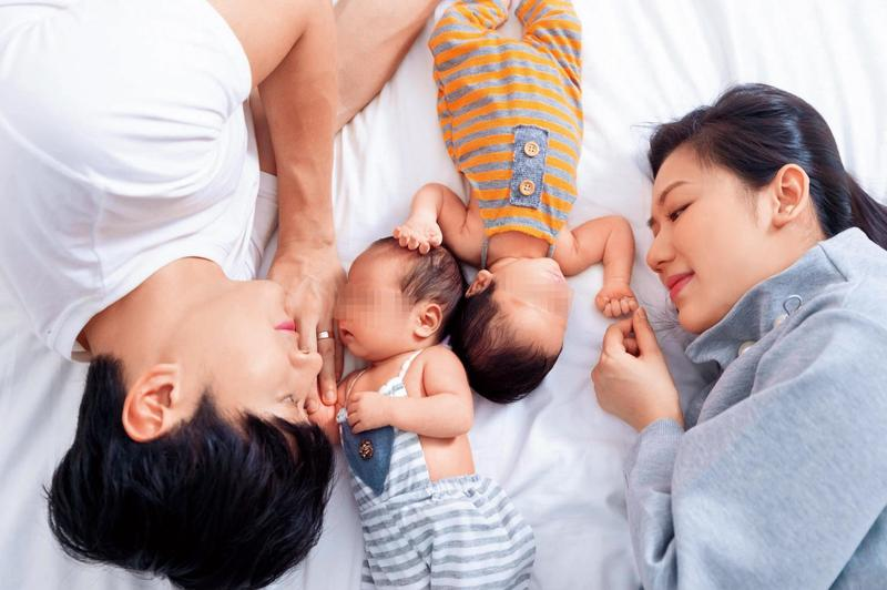 馬俊麟和太太育有一對雙胞胎兒子,如今婚姻岌岌可危。(翻攝自馬俊麟臉書)