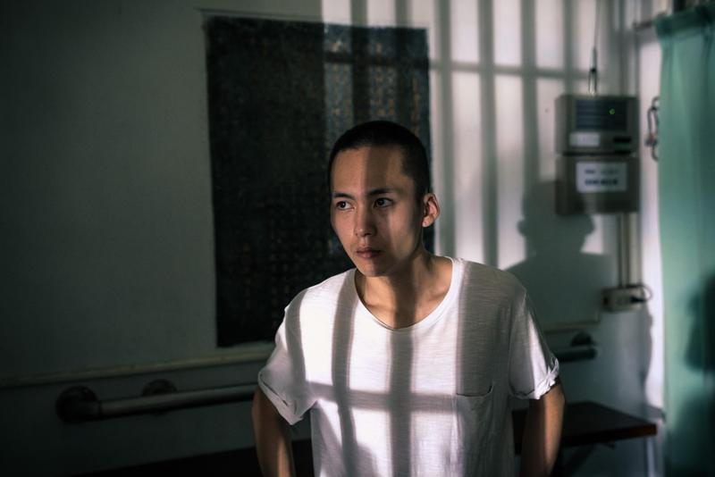 電影《陽光普照》中少年犯的審訊、服刑與出獄後生活都很寫實,更獲准於彰化少年輔育院實地拍攝。(甲上提供)