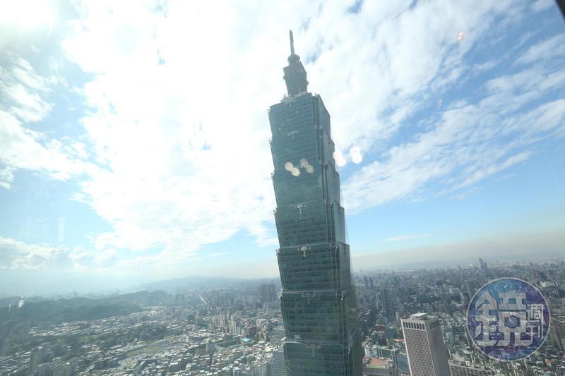 台北101觀景台祭出15年來最低價格,希望能號召國人參觀。