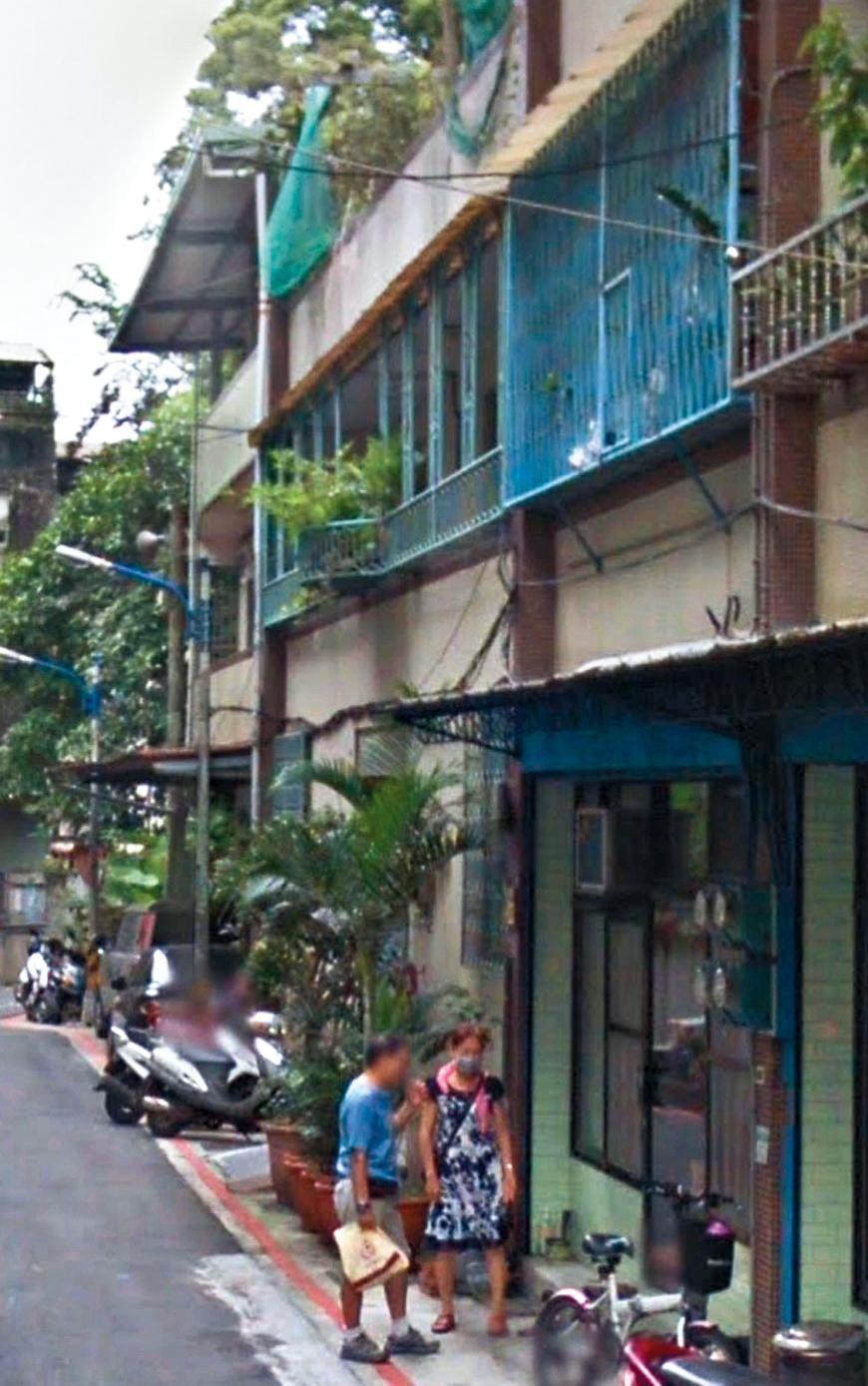 經紀人企圖漂白稱翁子涵是有錢的千金,但據讀者爆料指她並非有錢人家的女兒,並提供她家人目前居住的公寓外觀。(翻攝自GoogleMap)