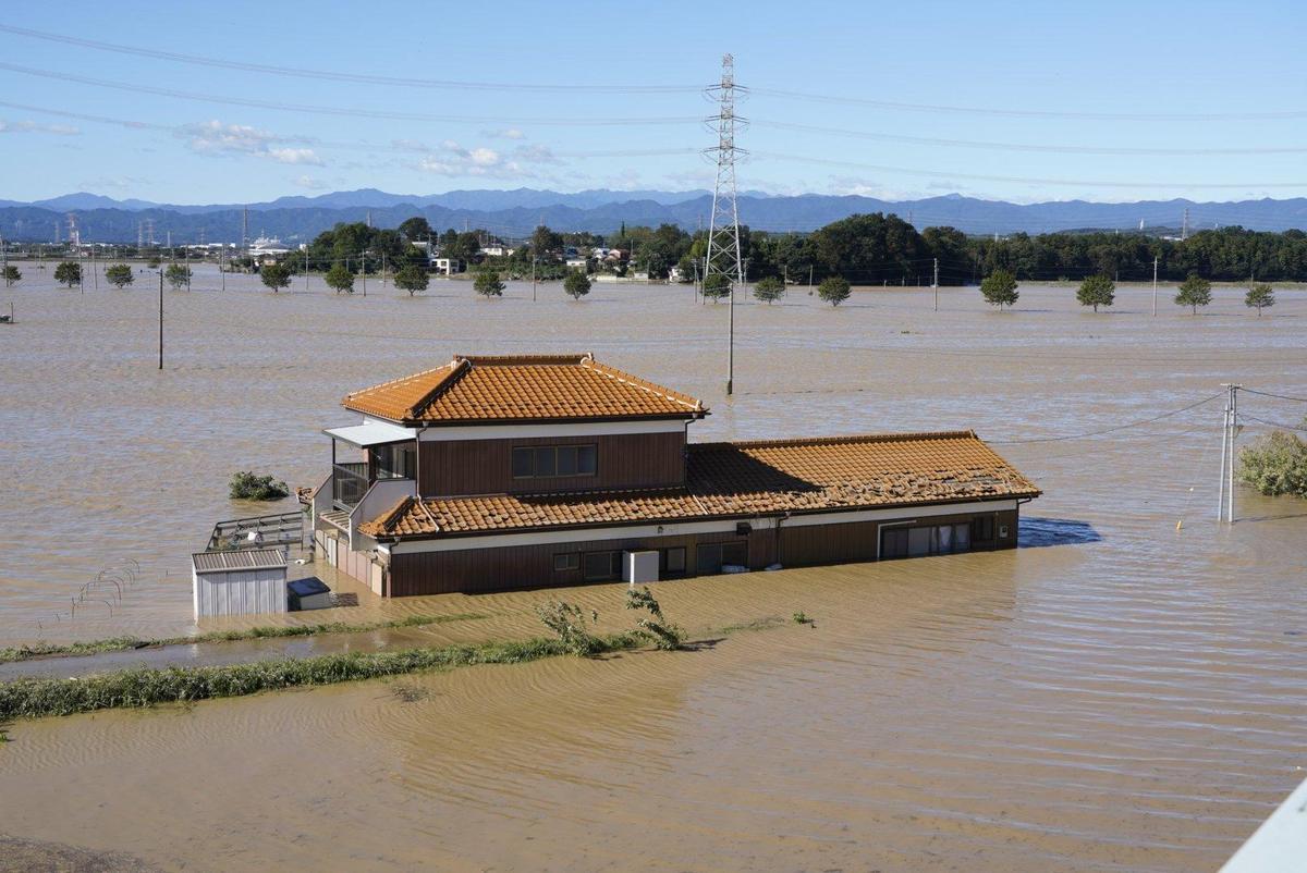 埼玉縣東松山市淹水情形。(翻攝自推特)