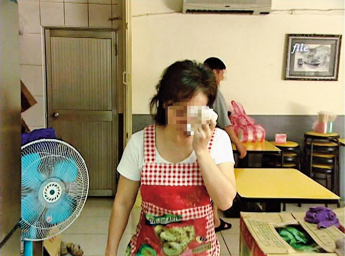 方姓少女失蹤後,雙親難過不已,確認女兒遇害,媽媽(圖)更是以淚洗面。(東森新聞提供)