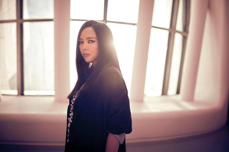 張惠妹曾因為觀眾太過熱情造成地面震動,隔年她再申請舉行演唱會時被拒絕。(環球提供)