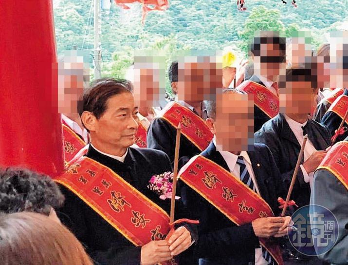 統促黨經營基層以宮廟為主要對象,張安樂(左)時常出席各宮廟慶典。